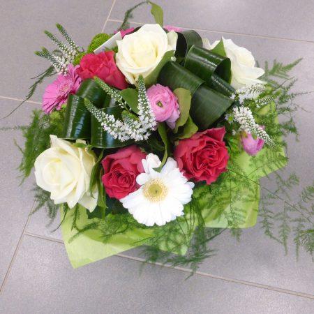 Bouquet ton rose avec réserve d'eau